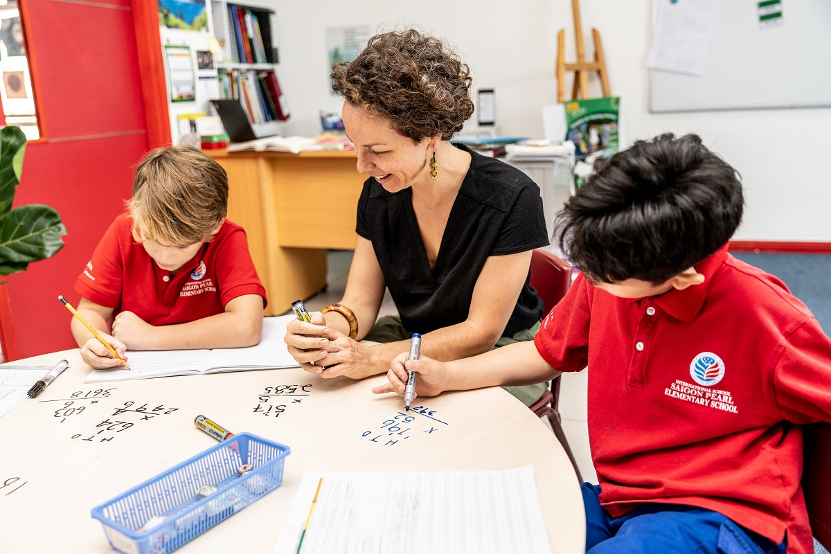 Native-English-speaking teachers with international qualification and experience at International School